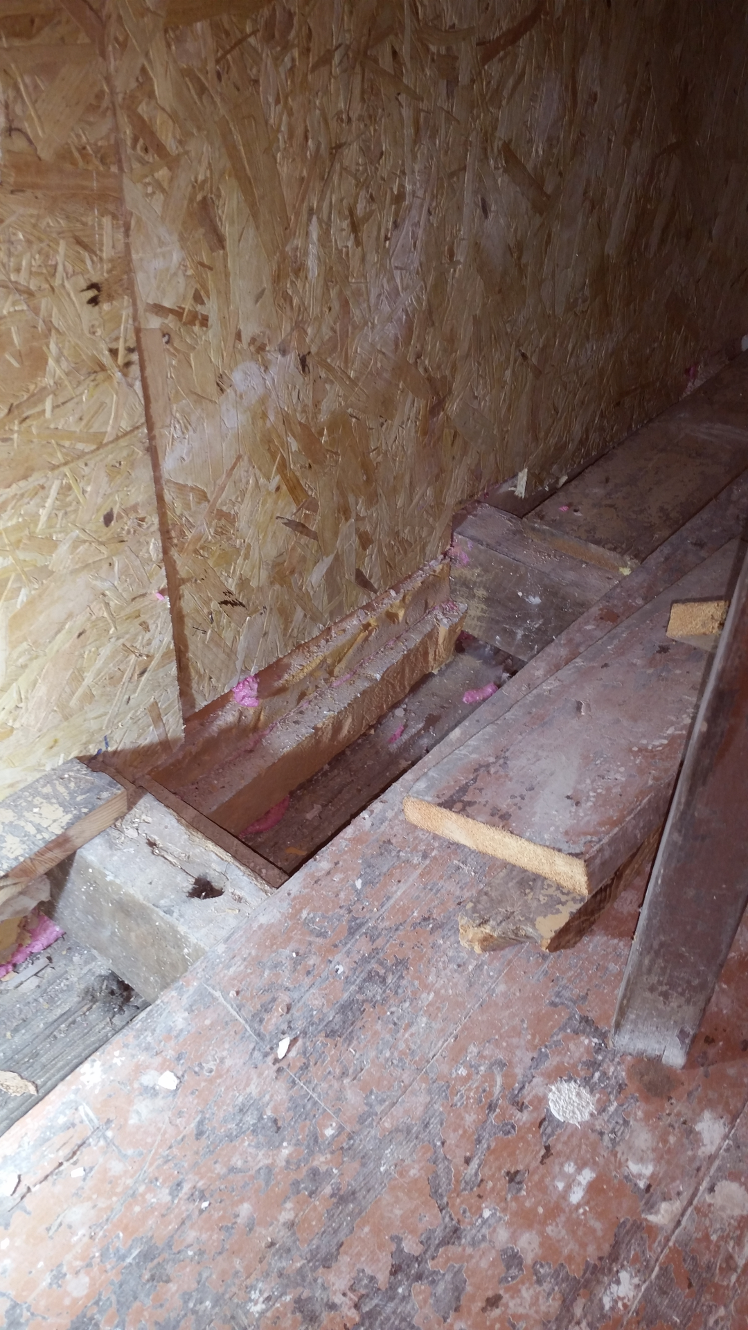 Insulating the gap under floor and over ceiling (George Miles dicenews.com)