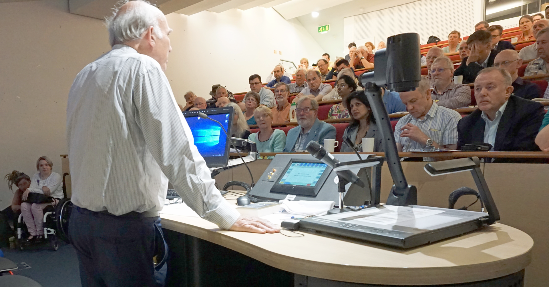 Vince speaking to Green Lib Dems conference in Nottingham, May 2018 (Kevin Daws)